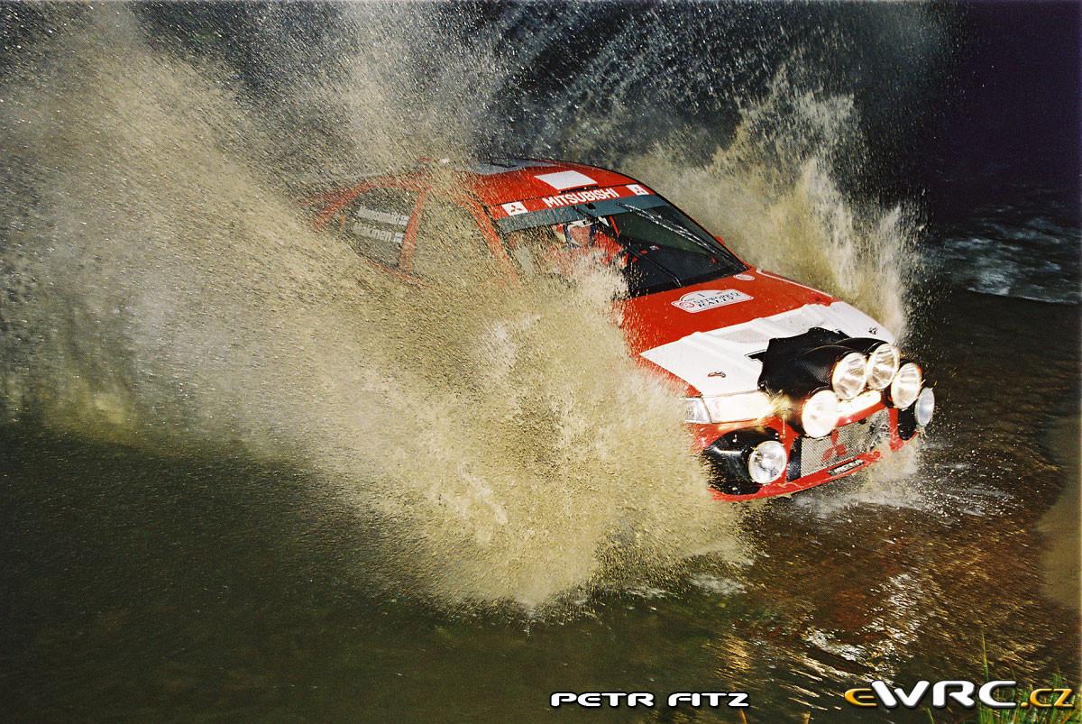 Fotos leyenda (Coches de calle, rallye, racing...) VOL II - Página 6 F1000042-(2)