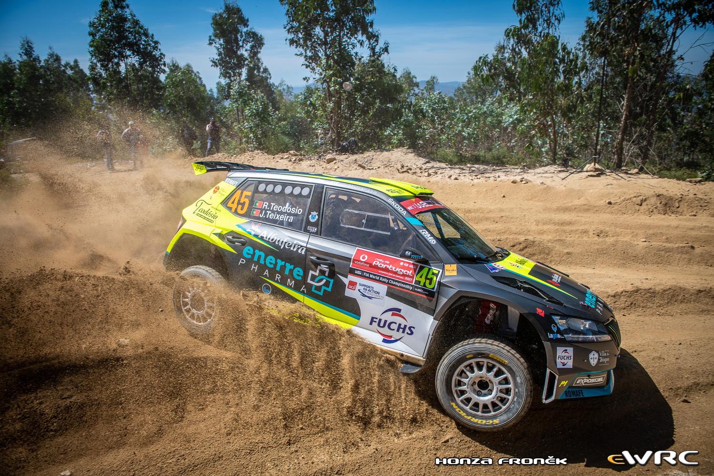 WRC: 54º Vodafone Rallye de Portugal [20-23 de Mayo] - Página 2 Hfr_dsc_7379